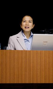 小林美智子氏